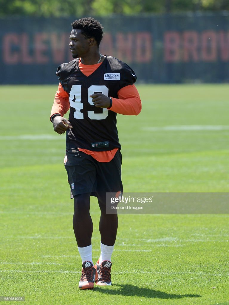 more photos 160e6 26740 Linebacker Kenneth Olugbode of the Cleveland Browns runs off ...