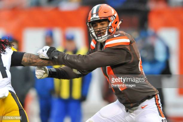 Linebacker Nate Orchard of the Cleveland Browns rushes the line of scrimmage in the second quarter of a game against the Pittsburgh Steelers at...