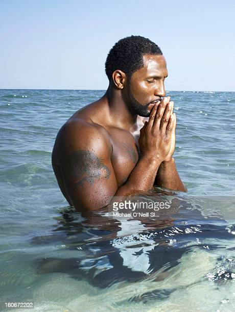 Linebacker Ray Lewis is photographed for Sports Illustrated on October 20 2006 in Boca Raton Florida CREDIT MUST READ Michael O'Neill/Sports...