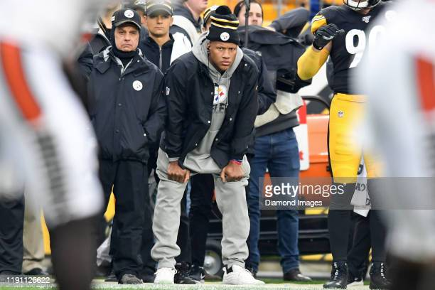 Linebacker Ryan Shazier of the Pittsburgh Steelers watches the action from the sideline in the second quarter of a game against the Cleveland Browns...