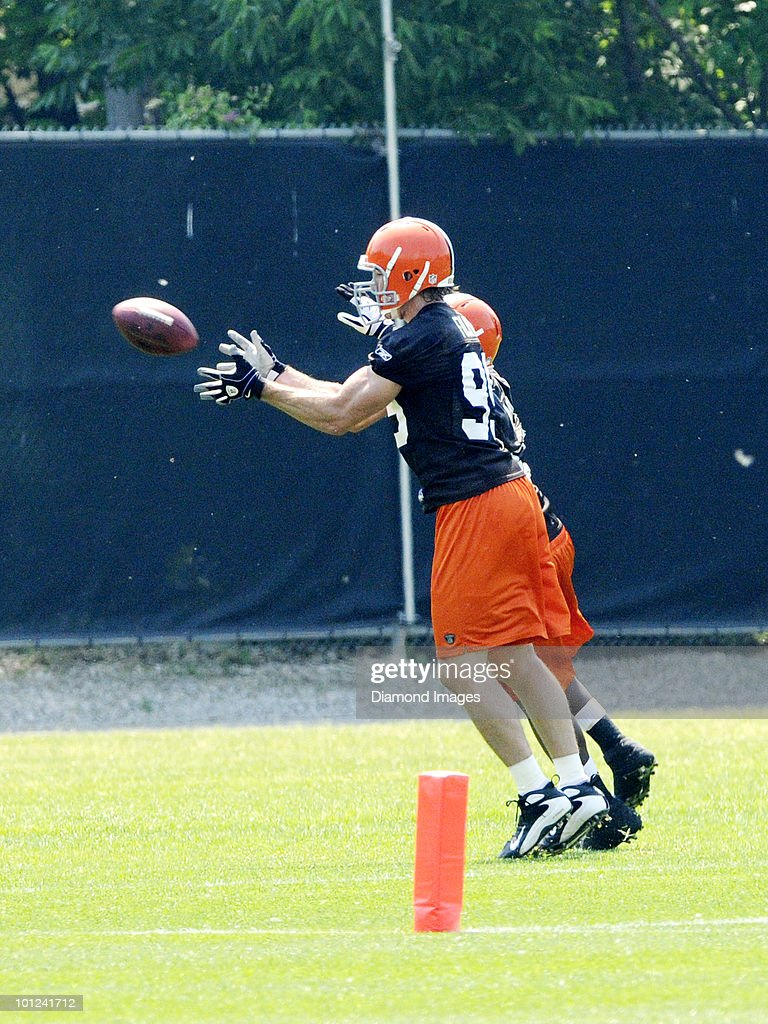 Linebacker Scott Fujita #99 of the Cleveland Browns catches a pass during the team's organized team activity (OTA) on May 27, 2010 at the Cleveland Browns practice facility in Berea, Ohio.