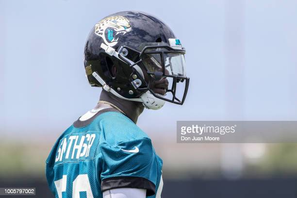 Linebacker Telvin Smith Sr #50 of the Jacksonville Jaguars works out during Training Camp at Dream Finders Homes Practice Complex on July 26 2018 in...