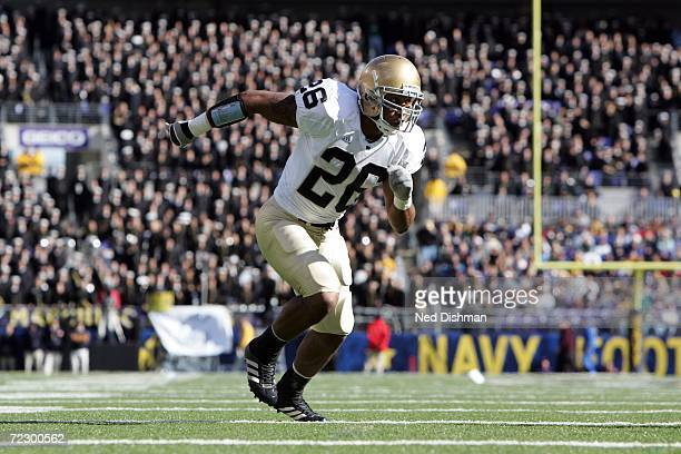 Linebacker Travis Thomas of the Notre Dame Fighting Irish rushes the line against the Navy Midshipmen on October 28 2006 at MT Bank Stadium in...