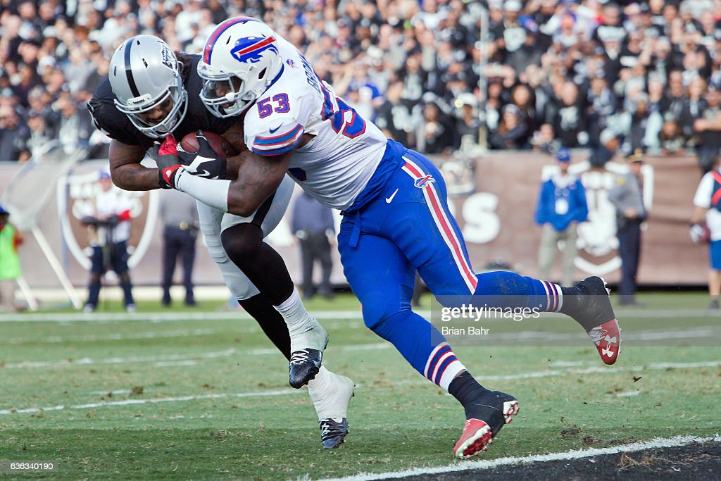 Buffalo Bills v Oakland Raiders : News Photo