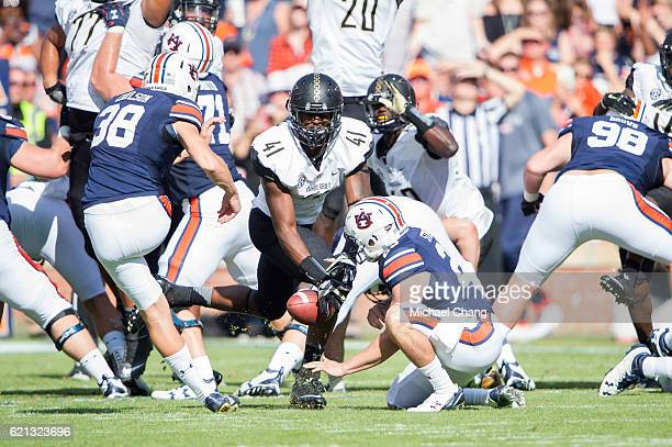 Linebacker Zach Cunningham of the Vanderbilt Commodores blocks a field goal during their game against the Auburn Tigers at Jordan-Hare Stadium on...