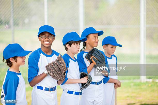 lined up in the infield - baseball team stock pictures, royalty-free photos & images