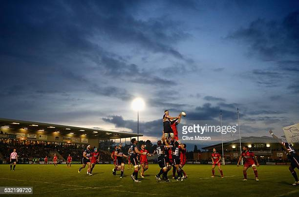 A lineout takes place during the Greene King IPA Championship play off final first leg match between Doncaster Knights and Bristol Rugby at the...