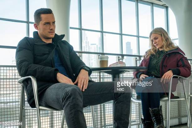 D Lines Episode 718 Pictured Jesse Lee Soffer as Jay Halstead Tracy Spiridakos as Hailey Upton