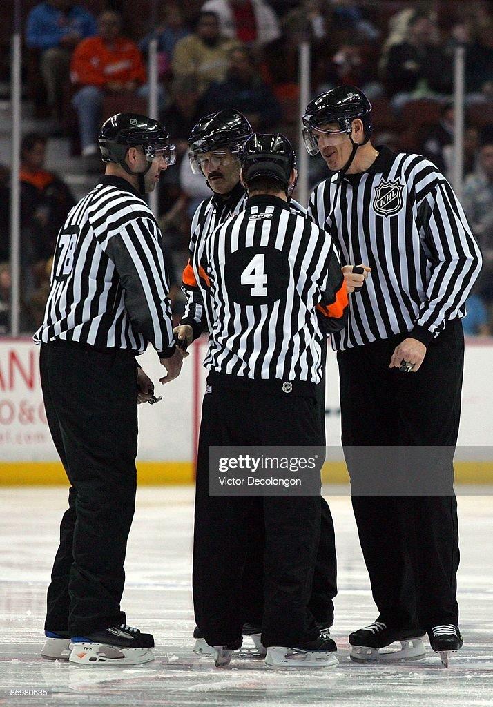 Edmonton Oilers v Anaheim Ducks : News Photo