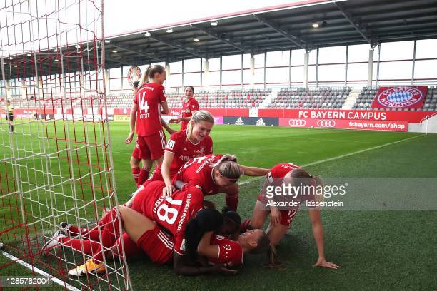 Lineth Beerensteyn of FC Bayern München celebrates scoring thge 3rd team goal with her teamm mate Klara Bühl , Viviane Asseyi and others during the...