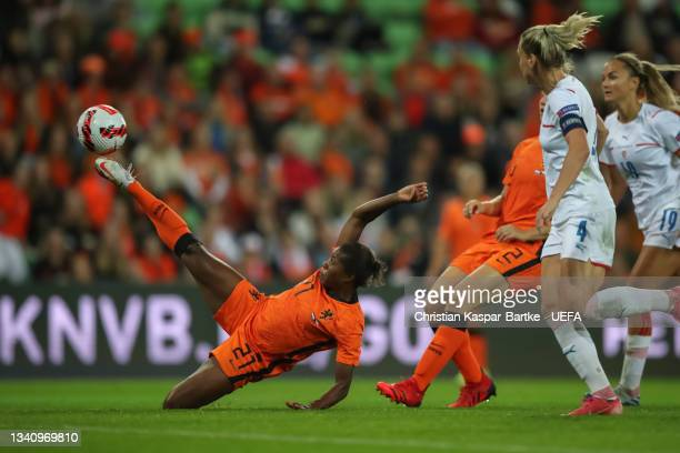 Lineth Beerensteyn of Netherlands plays the ball during the FIFA Women's World Cup 2023 Qualifier group C match between Netherlands and Czech...