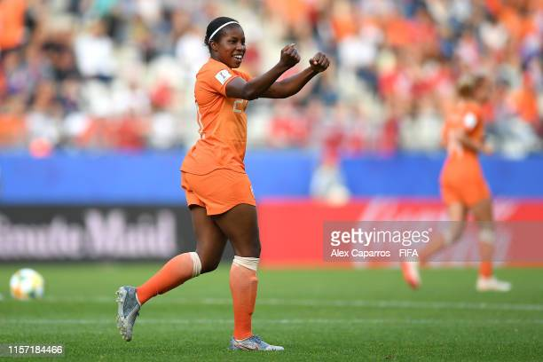 Lineth Beerensteyn of the Netherlands celebrates after scoring her team's second goal during the 2019 FIFA Women's World Cup France group E match...