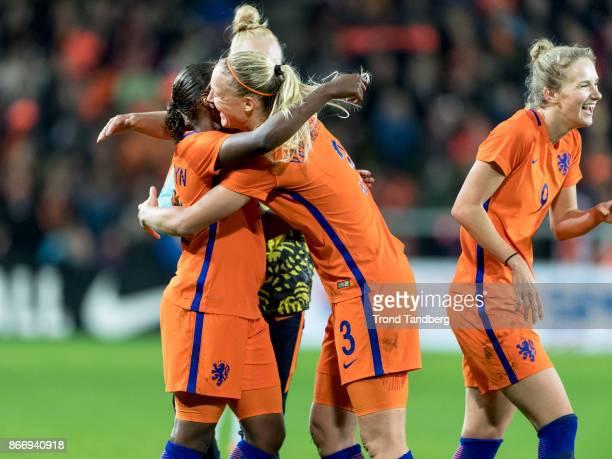 Lineth Beerensteyn Stefanie van der Gragt Vivianne Miedema of Netherland during the FIFA 2018 World Cup Qualifier between Netherland and Norway at...