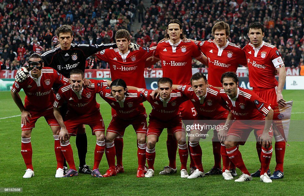 Line-up of Muenchen before the UEFA Champions League quarter final first leg match between Bayern Muenchen and Manchester United at the Allianz Arena on March 30, 2010 in Munich, Germany.