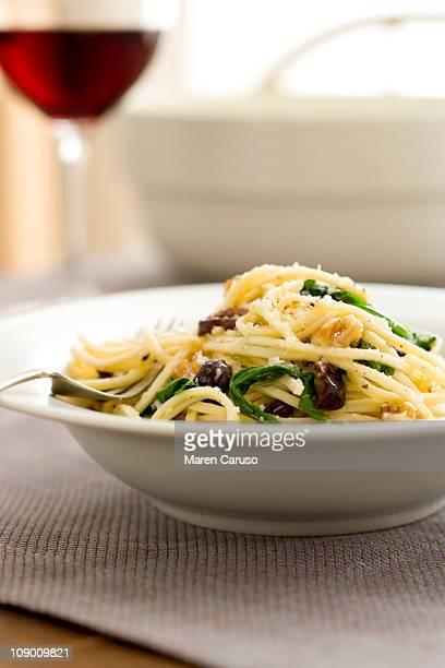 Linguine with Walnuts, Arugula, and Olives