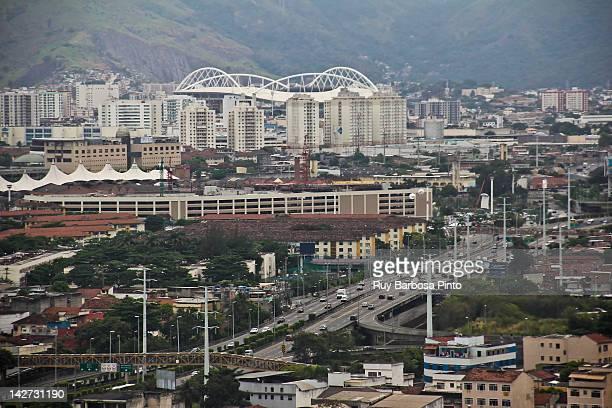 linha amarela and estádio olímpico joão havelange - estádio olímpico estádio ストックフォトと画像