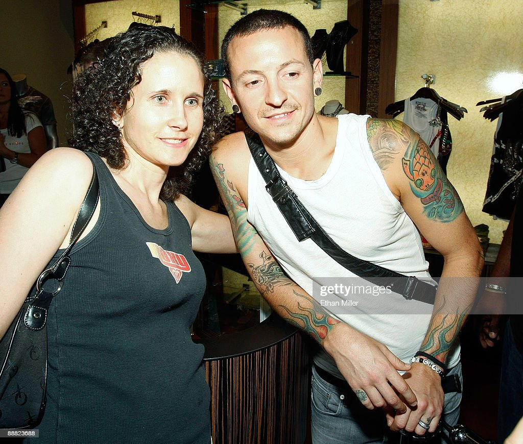 Linkin Park singer Chester Bennington takes a photo with