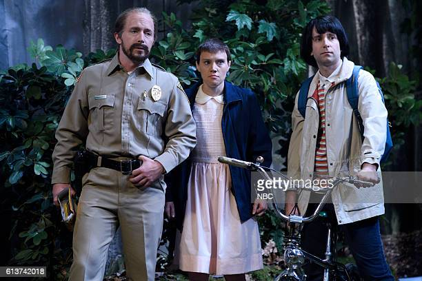 LIVE LinManuel Miranda Episode 1706 Pictured Beck Bennett Kate McKinnon as Eleven and Kyle Mooney as Mike during the Stranger Things sketch on...