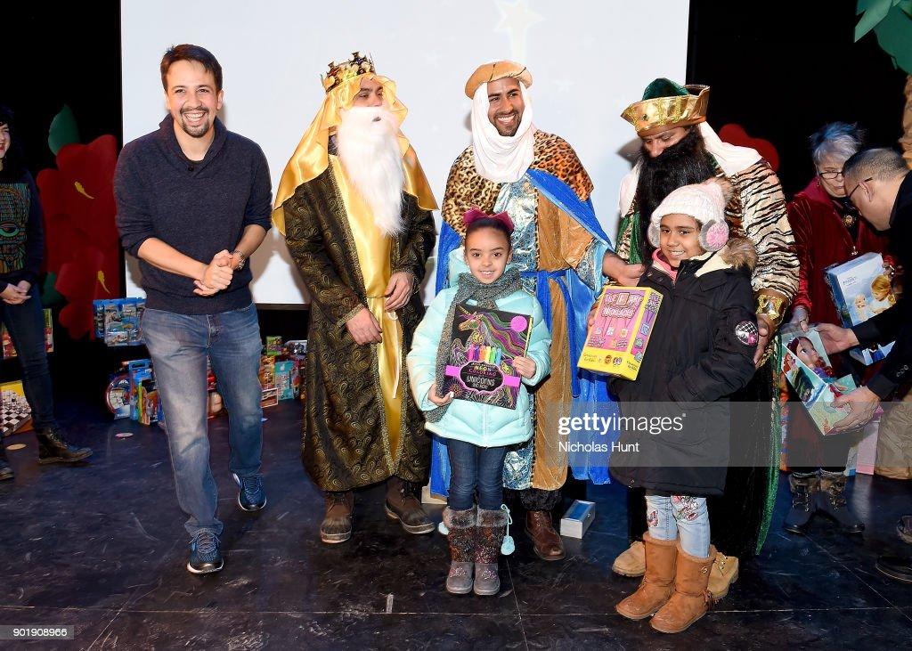 Lin-Manuel Miranda, Mayor Bill De Blasio And Hispanic Federation Celebrate Three Kings Day With Toy Donation : News Photo