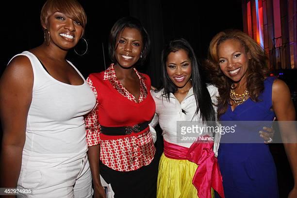 Linnethia NeNe Leakes Omarosa ManigaultStallworth Lisa WuHartwell and Donna RichardsonJoyner attend the 2009 Essence Music Festival Presented by...
