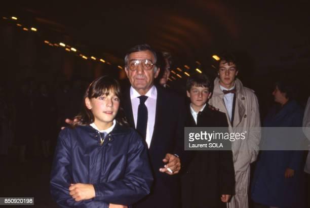Lino Ventura et ses enfants à la 1ère du film 'Les Misérables' à Paris en 1982 France