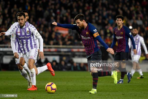 Linonel Messi of Fc Barcelona controls the ball during LaLiga match between FC Barcelona and Real Valladolid at Camp Nou on November 11 2018 in...