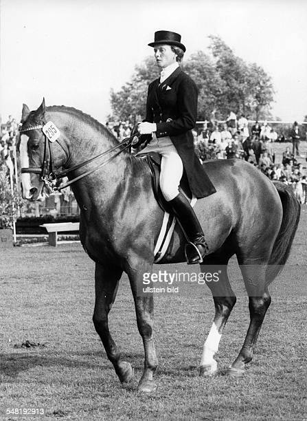 Linsenhoff Liselott Sportswoman Entrepreneuse D * World Equestrian Championships in Aachen Linsenhoff on the horse 'Piaff' Published in 'BZ' Vintage...