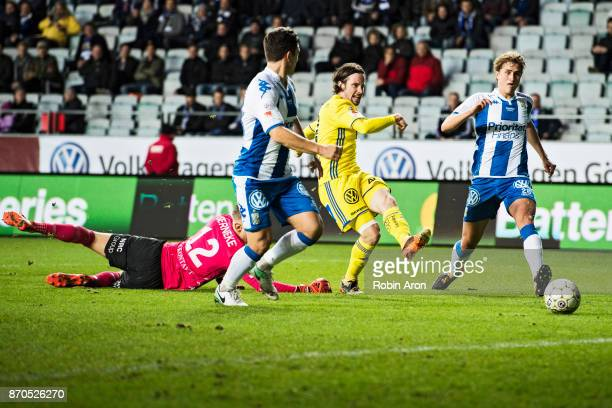 Linus Hallenius of GIF Sundsvall goes past Pontus Dahlberg goalkeeper of IFK Goteborg and scores 03 during the Allsvenskan match between IFK Goteborg...