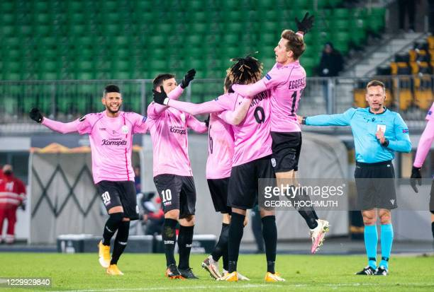 Linz' players celebrate after Linzer ASK's French forward Mamoudou Karomoko scored the 3-3 during the UEFA Europa League Group J football match...