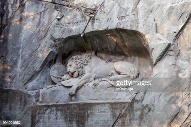 lion monument,lucerne,switzerland - monument stock pictures, royalty-free photos & images