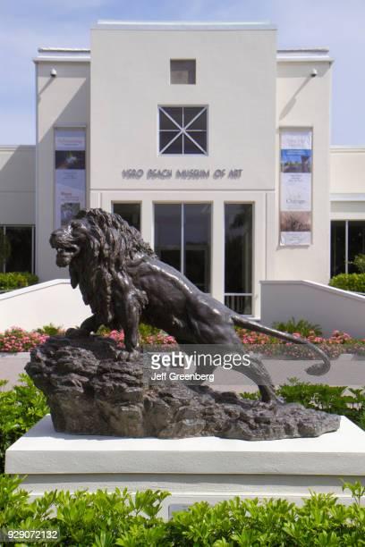 Lion sculpture in front of Vero Beach Museum of Art.