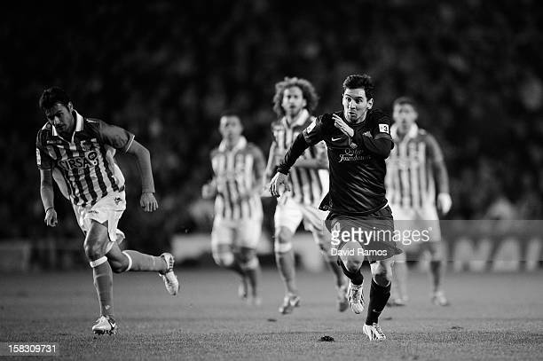Lione Messi of FC Barcelona runs for the ball during the La Liga match between Real Betis Balompie and FC Barcelona at Estadio Benito Villamarin on...