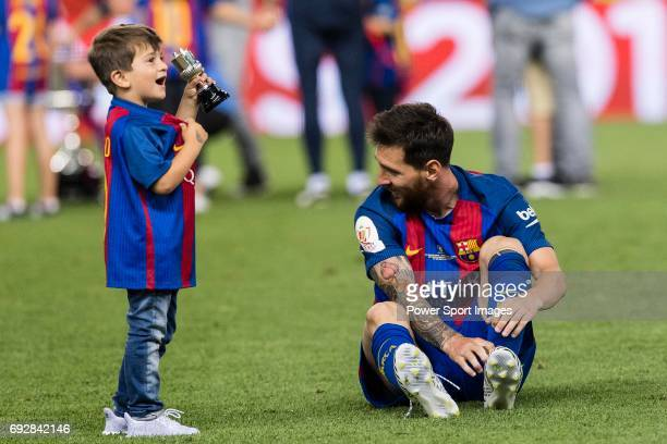 Lionel Andres Messi of FC Barcelona and his son Thiago during the Copa Del Rey Final between FC Barcelona and Deportivo Alaves at Vicente Calderon...