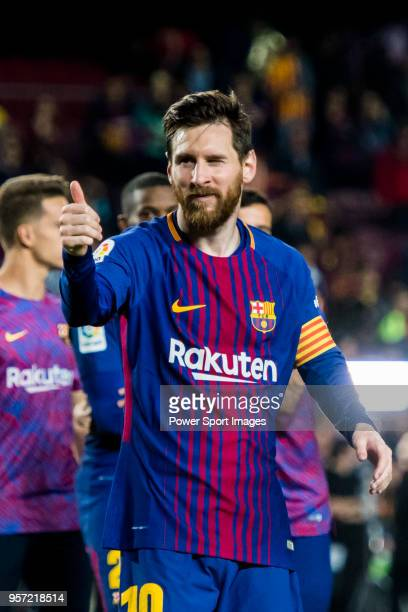 Lionel Andres Messi of FC Barcelona gives a thumbsup and winks after the La Liga match between Barcelona and Real Madrid at Camp Nou on May 6 2018 in...