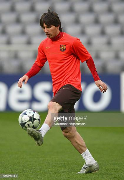 Lionel Andres Messi plays with the ball during the FC Barcelona training session at the Allianz Arena on April 13 2009 in Munich Germany Barcelona...