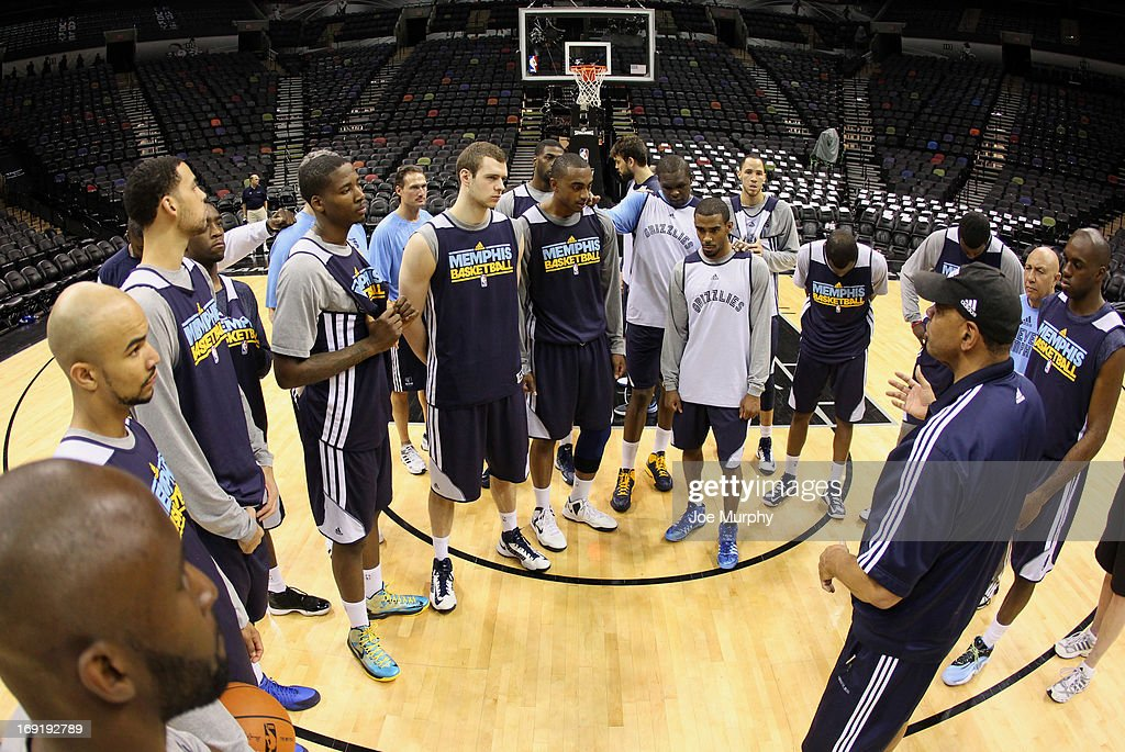 Lionel Hollins of the Memphis Grizzlies talks with his team after team practice during the Western Conference Finals during the 2013 NBA Playoffs on May 20, 2013 at the AT&T Center in San Antonio, Texas.