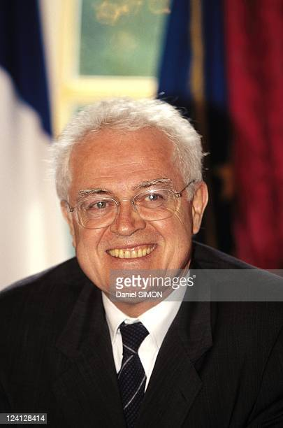 Lionel Jospin and Abderrahmane Youssoufi at press conference In Paris France On October 02 1998 Lionel Jospin