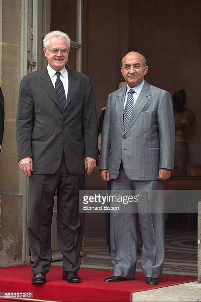 Lionel Jospin and Abderrahmane Youssoufi on the steps of the Matignon