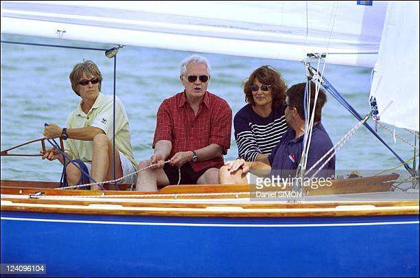 Lionel Jospin and his wife Sylviane on vacation in Ile De Re France on August 01 2001 Claire and JeanFrancois Fontaine deputy mayor of la Rochelle