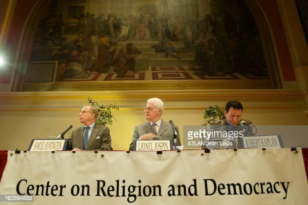 Lionel Jospin Taking Part In Symposium At The University Of Charlottesville In Virginia A l'occasion d'un colloque sur ' Religion et Démocratie' à...