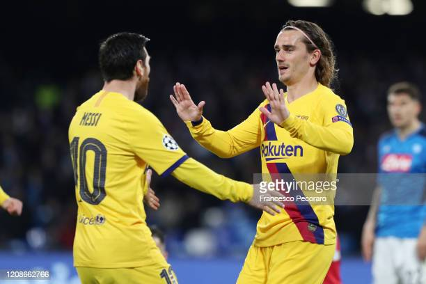 Lionel Messi and Antoine Griezmann of FC Barcelona celebrate the 11 goal scored by Antoine Griezmann during the UEFA Champions League round of 16...