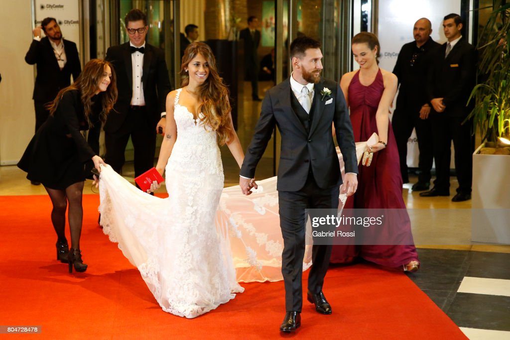 Lionel Messi and Antonela Rocuzzo's Wedding : News Photo