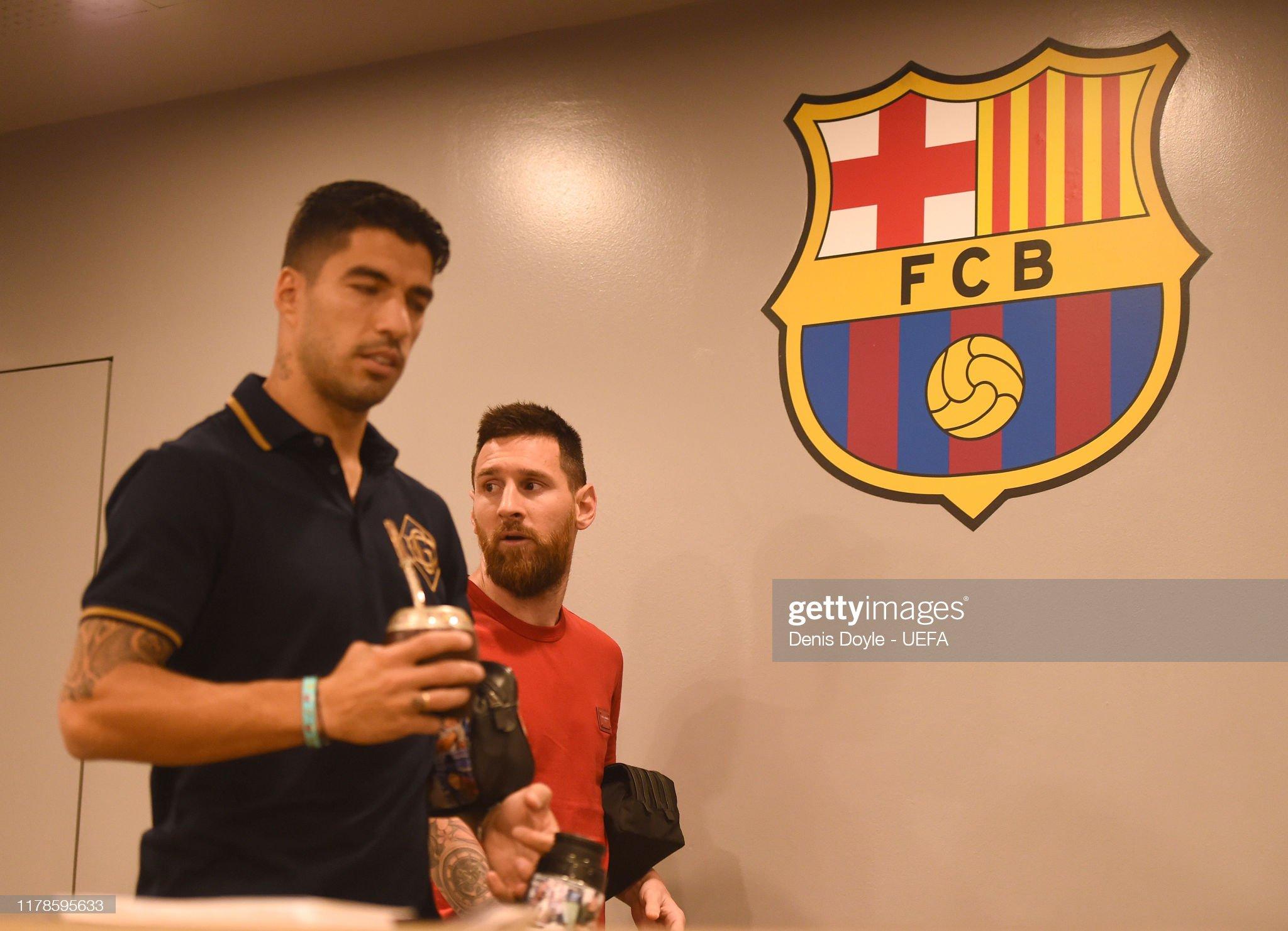 صور مباراة : برشلونة - إنتر 2-1 ( 02-10-2019 )  Lionel-messi-and-luis-suarez-arrive-for-the-uefa-champions-league-f-picture-id1178595633?s=2048x2048