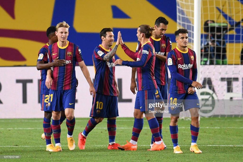 FC Barcelona v Villarreal CF - La Liga Santander : News Photo