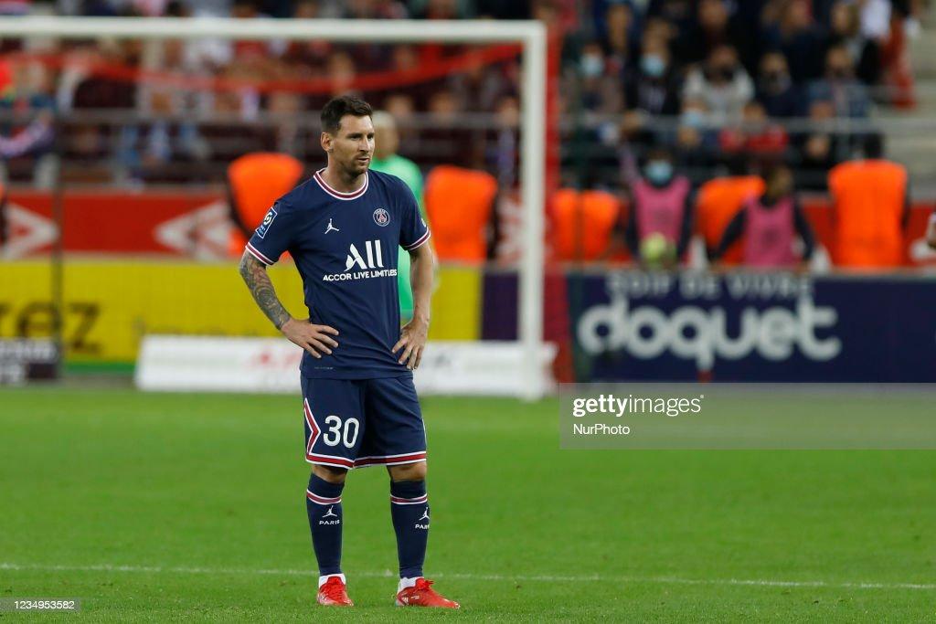 Stade de Reims v Paris Saint Germain - Ligue 1 Uber Eats : News Photo