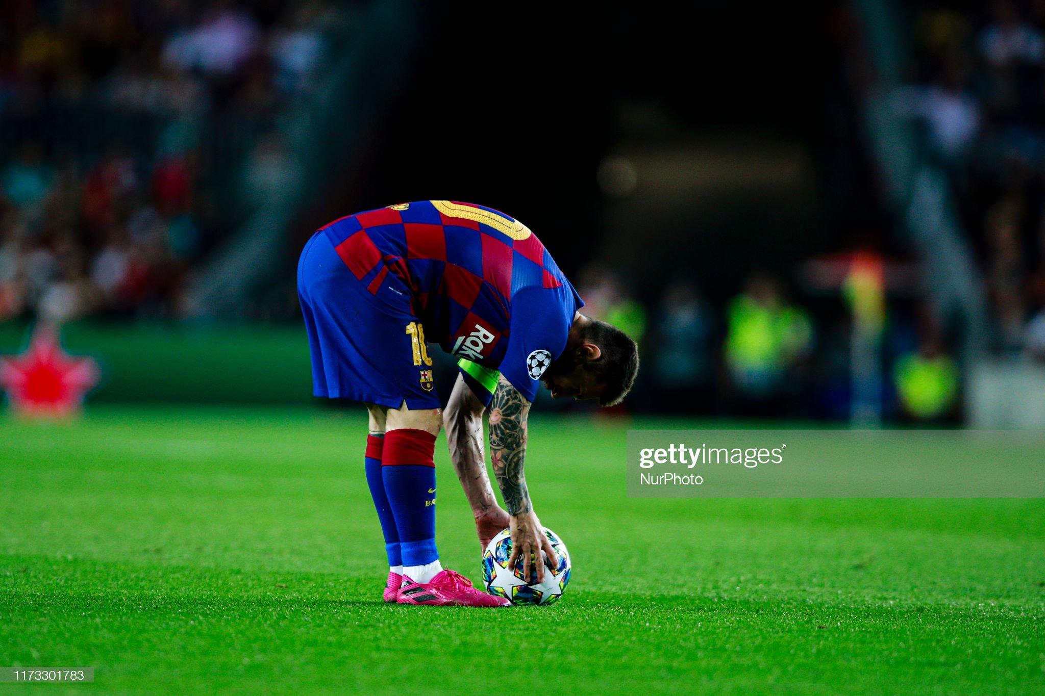 صور مباراة : برشلونة - إنتر 2-1 ( 02-10-2019 )  Lionel-messi-from-argentina-of-fc-barcelona-during-the-uefa-champions-picture-id1173301783?s=2048x2048