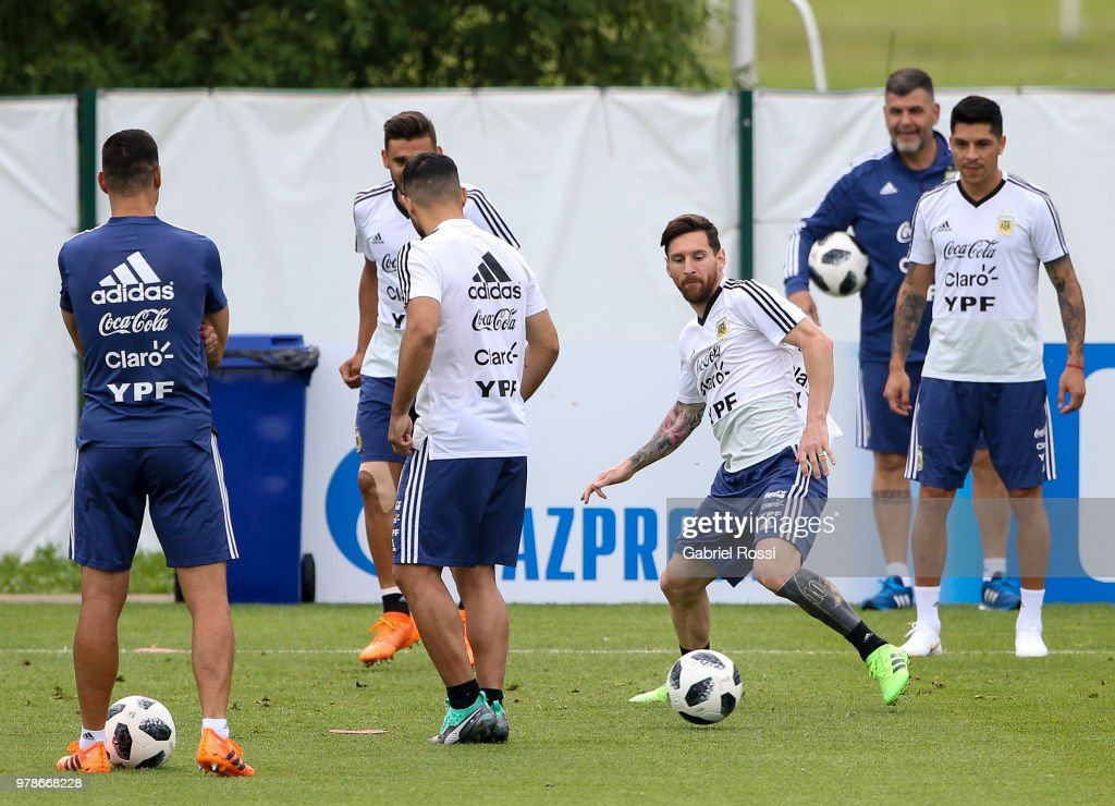 Argentina Training Session & Press Conference - FIFA World Cup Russia 2018 : News Photo
