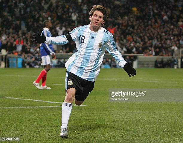 Lionel Messi of Argentina celebrates his goal during the international friendly match between France and Argentina at the Stade Velodrome in...