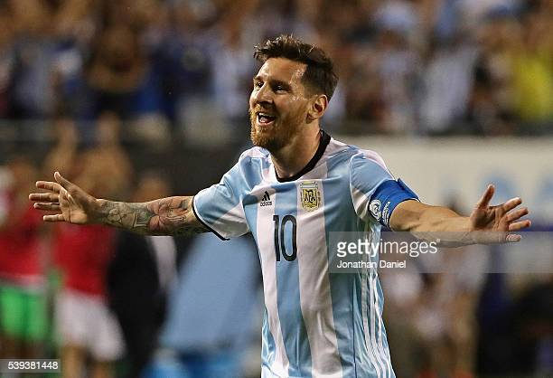 Lionel Messi of Argentina celebrates his second goal against Panama during a match in the 2016 Copa America Centenario at Soldier Field on June 10,...