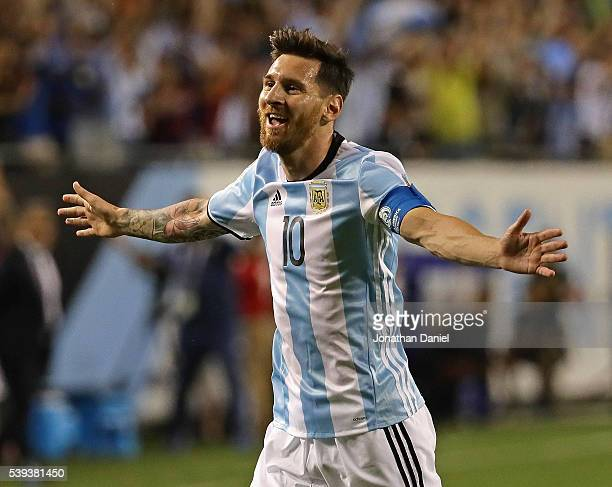 Lionel Messi of Argentina celebrates his second goal against Panama during a match in the 2016 Copa America Centenario at Soldier Field on June 10...